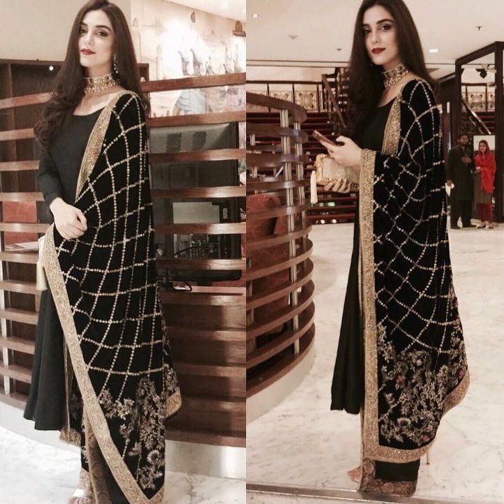 Mohsin Naveed Ranjha dress. Pakistan