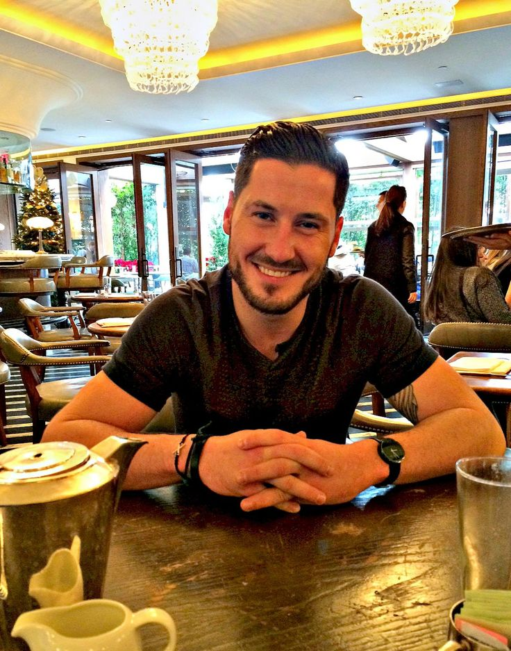 who is val from dancing with the stars dating Val chmerkovskiy valentin (val) aleksandrovich chmerkovskiy was born in odessa (ukraine) at the age of 26, val is a professional dancer and is known for his appearances on abc's dancing with the stars val is the son of aleksandr and lariss chmerkovskiy, and the younger brother to maksim chmerkovskiy.