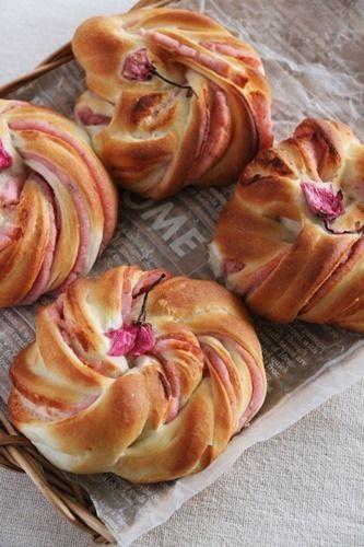 桜のねじりあんパン by takacocoさん | レシピブログ - 料理ブログの ...