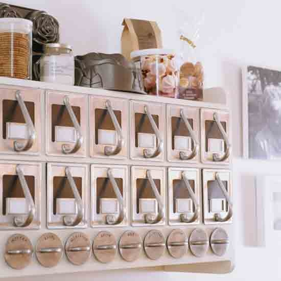 Hang a spice rack - housetohome.co.uk