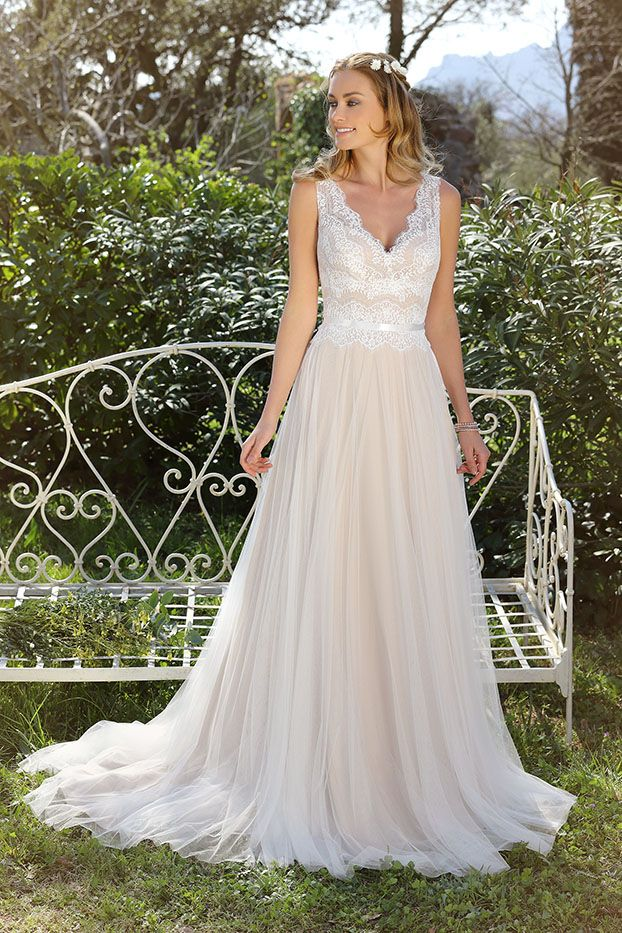 317 best Brautkleider images on Pinterest | Bridal, Brides and Gown ...