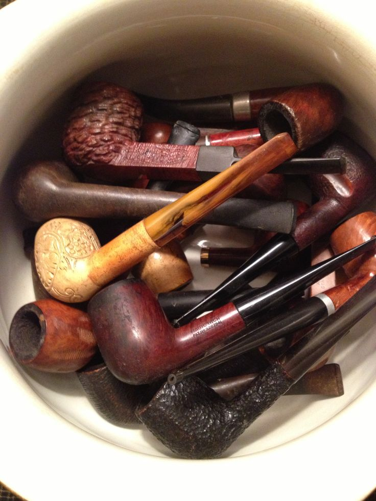 Pipes are a perfect take home gift for your Sherlock Holmes themed murder mystery party!