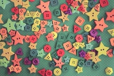 http://s2.favim.com/orig/35/button-colorful-cute-heart-neyneblomma-Favim.com-281182.jpg