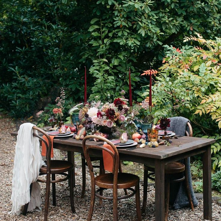 I'm off on my travels around Devon visiting @wearewestcountryweddingplanner @virginiasvintagehire and @keepingitvintagedevon picking up some gorgeous bits and pieces I'll be using to style my next shoot with the lovely photographer @barrow_emma on Tuesday. Here's the lovely tablescape I created from our last shoot at @weddevon. Gorgeous flowers by @hollybee_flowers and chairs from @virginiasvintagehire