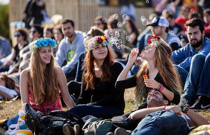 Lisbon and Porto featured on Momondo's list of The best European music festivals this spring - via Momondo 10-02-2017 | Lisboa Dance Festival and NOS Primavera Sound (Porto) are the two music festivals taking place in Portugal that are featured on the list. Photo: Lounging bubble fun at Porto's NOS Primavera Sound