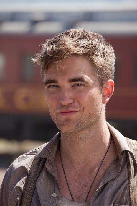Ok so I didnt like Robert Pattinson until I saw him in Water for Elephants... yeah he looks way hotter as a normal person than as a vampire lol