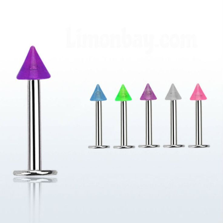 Labrets para tu piercing de labio o tragus, con conos UV: https://www.limonbay.com/labret-con-cono-fosforescente-uv