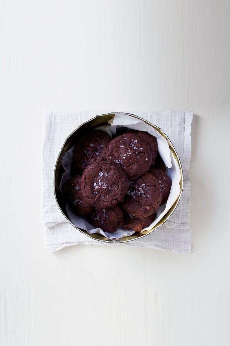 ... sea salt nutella cookies ...