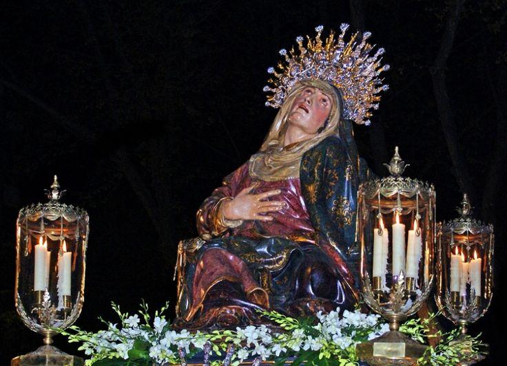Miranda de Ebro necesita costaleros para el Viernes Santo - http://www.absolutburgos.com/miranda-de-ebro-necesita-costaleros-para-el-viernes-santo/