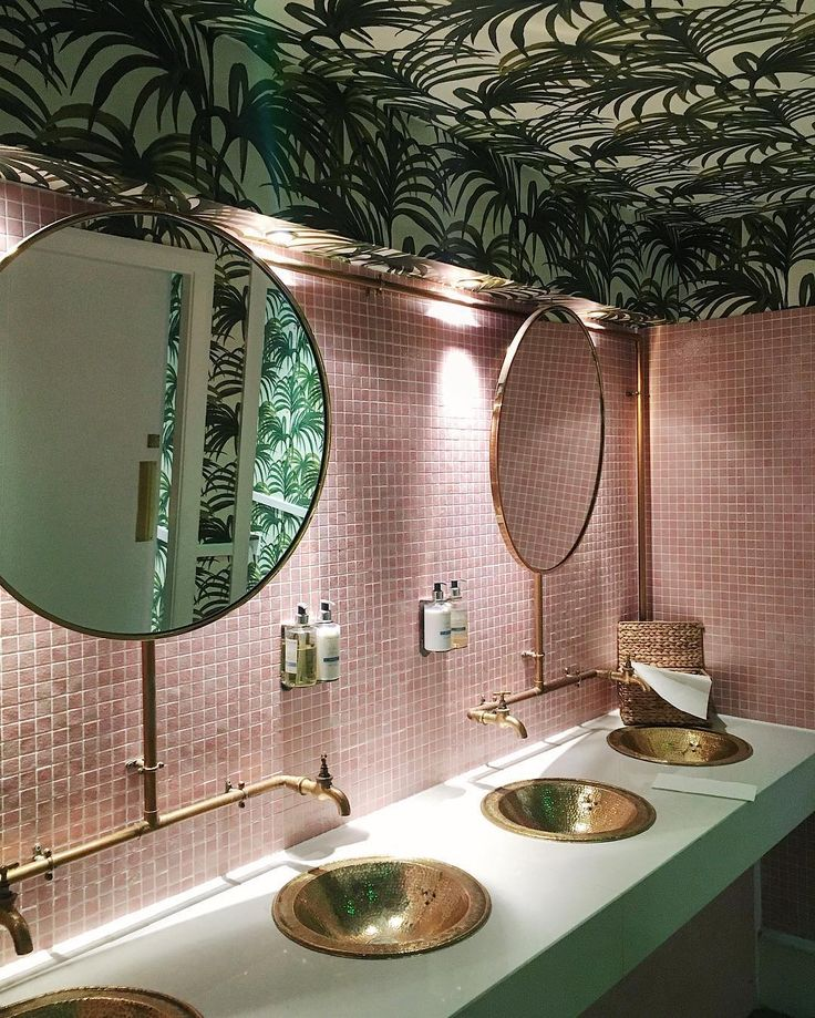 Tropical Wallpaper On A Bathroom Ceiling Makes A Change Especially With Pink Tiles