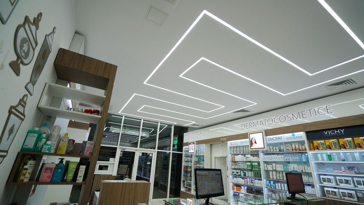 another original concept LED lighting to a Pharmacy by Euroneon
