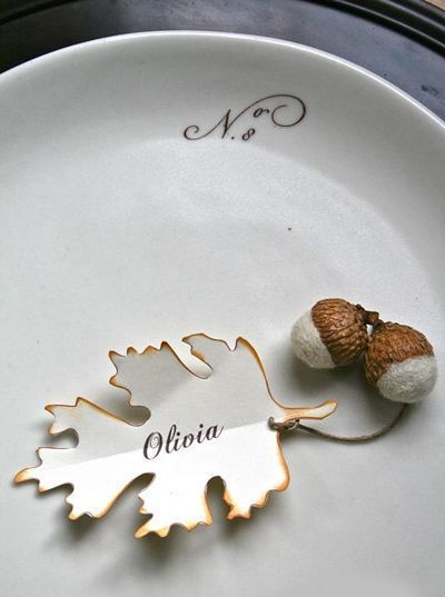 Love the touch of the leaf and acorns
