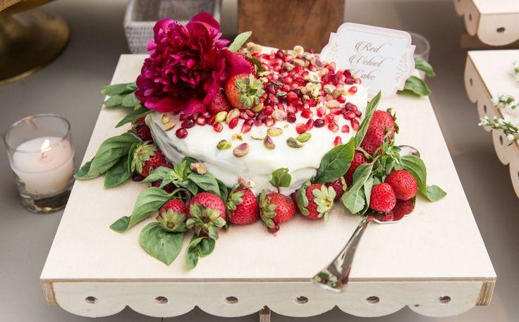 Rustic Wedding Inspirations. One tier Red Velvet Cake