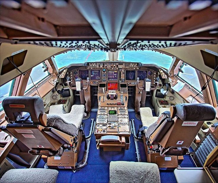 EI-XLD cockpit Tiger B747 Rossiya Airlines.