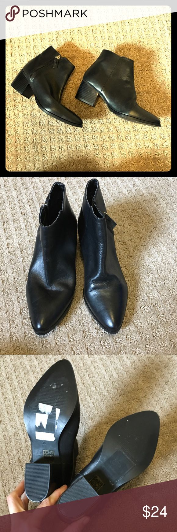 Topshop Black Leather Chelsea Boots Booties Gently worn no flaws. Please do not ask me about fit, not my personal shoes. Topshop Shoes Ankle Boots & Booties