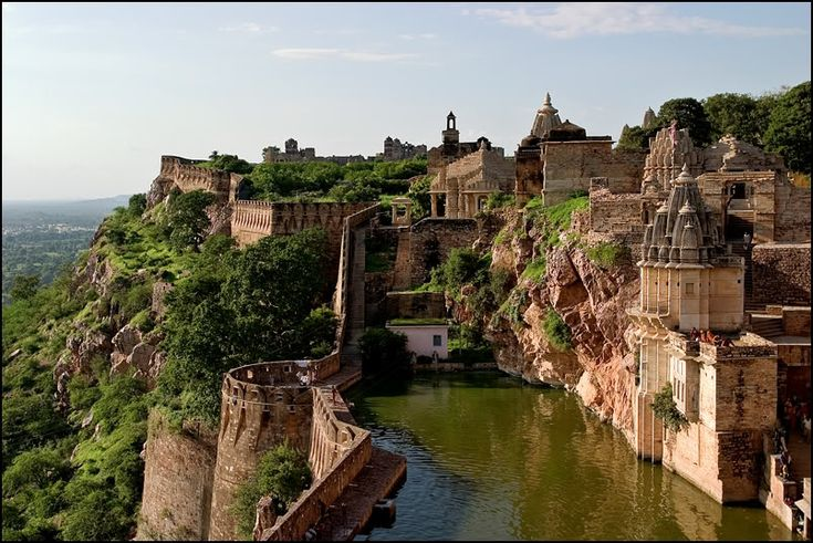 Chittorgarh Fort Rajasthan India..i guess there is more to the world than LC