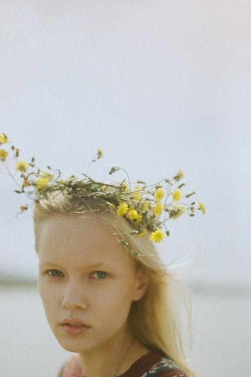 flower crown made easy | #BWGmag #BWGirls