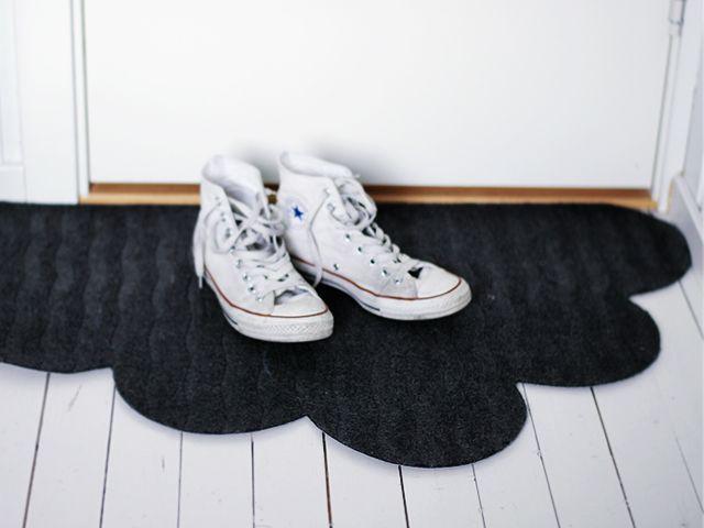 DIY: cloud shaped doormat