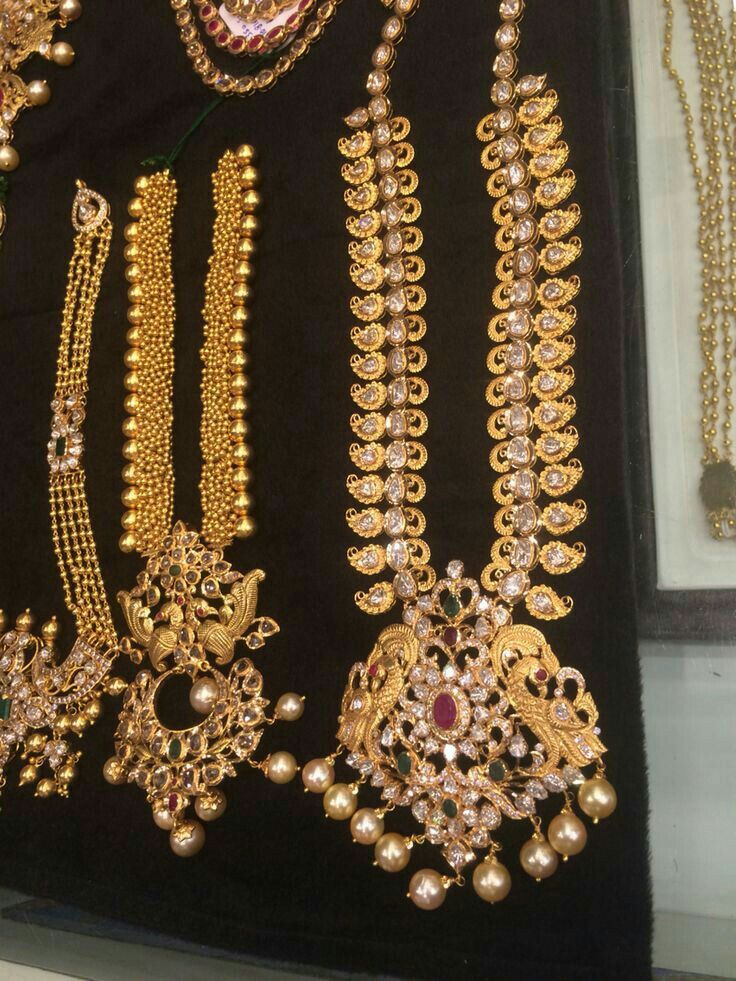 Pin By Swathi On Jewellery Gold Necklace Indian Bridal Jewelry Gold Jewellery Design Traditional Jewelry