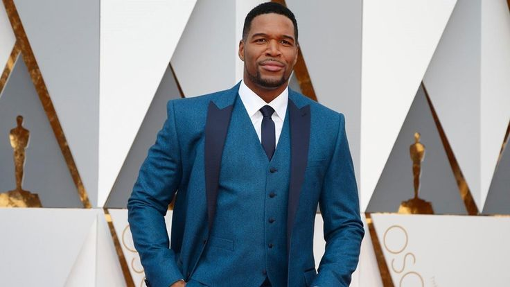 """Michael Strahan's role at """"Good Morning America"""" is still ruffling feathers at the morning show. Sources claim fellow anchors on the show are sick of ABC bosses giving him preferential treatment. """"They roll out the carpet for [Strahan] while seasoned talent is treated like dirt. He's been given a lot of opportunity, flexibility, when the others who have been working there longer don't get that kind of treatment,"""" a source said. Strahan signed a special deal that allows him to continue to…"""