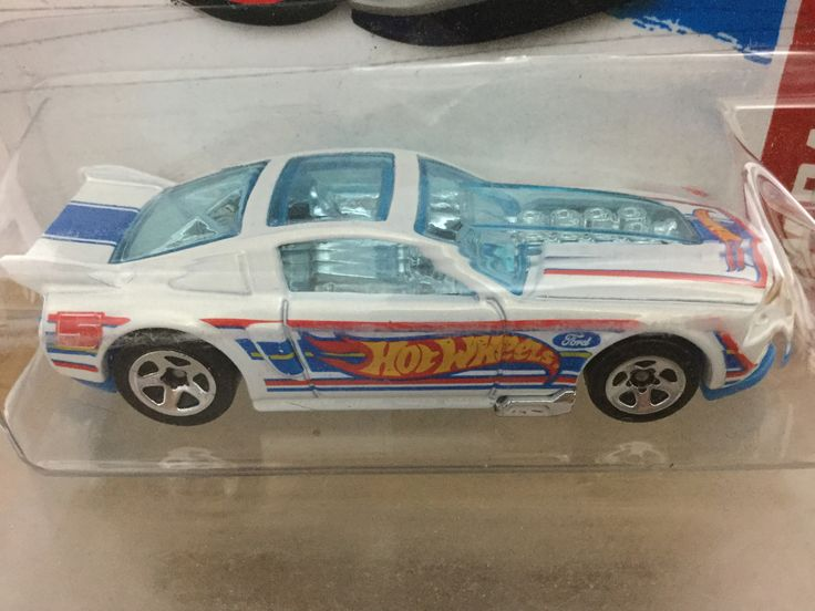 Hot Wheels - 13 Ford Mustang GT (2013)