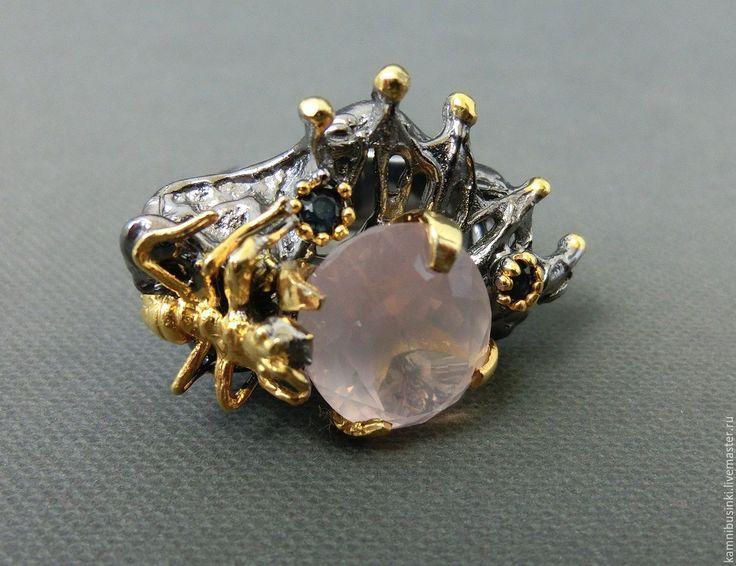 """Купить 19 р-р кольцо """"Муравей"""" с розовым кварцем, сапфиром серебро 925 золото"""
