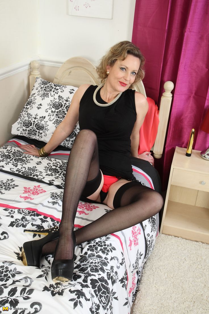 Mature ladsies in stockings maravilhosa