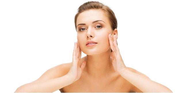 Vemale.com - Kata siapa soal urusan garis kerut di wajah harus botox atau operasi jawabannya. Kalau semua bisa diraih dengan cara alami, lebih baik pilih yang alami saja deh.
