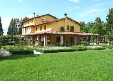 Torre Andrea Spa near Assisi Umbria, with rooms and restaurant