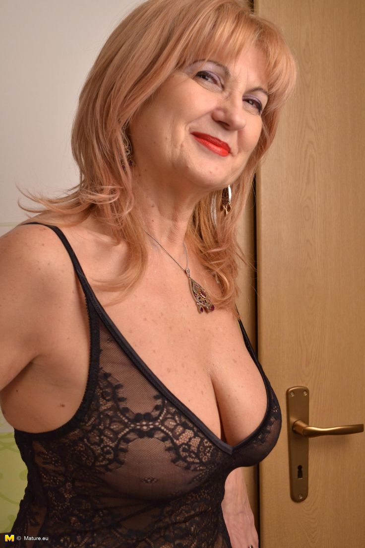 Successful Sales Associate  Lovely  Mature  Sexy, Women -5860