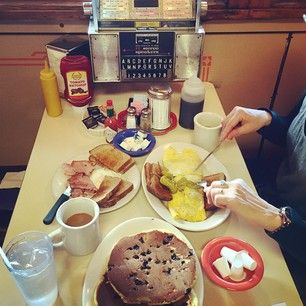Miss Florence Diner in Northampton, Massachusetts | 22 Retro Diners That Are Definitely Worth A Road Trip