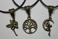 Check our pendants at our Etsy store 💚🌞 (link in bio)🔝 #pendant #pendants #lifetree #treeoflife #arboldelavida #manodefatima #fatimashand #boho #bohemianjewelry #bohemian #tribaljewelry #tribal #bohojewelry #hippie #hippiejewelry #handmadejewelry #handmadependant #etsy #etsypendant #etsyfinds #jewelry #jewellery