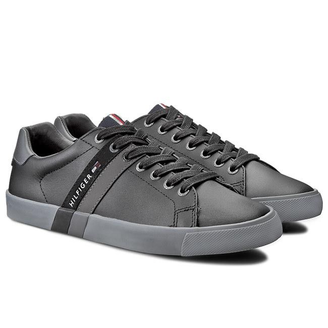 Sneakersy TOMMY HILFIGER - Volley 5A FM56820557  Black 990