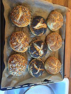 Die schnellsten Brötchen der Welt, ein sehr schönes Rezept aus der Kategorie Brot und Brötchen. Bewertungen: 487. Durchschnitt: Ø 4,2.