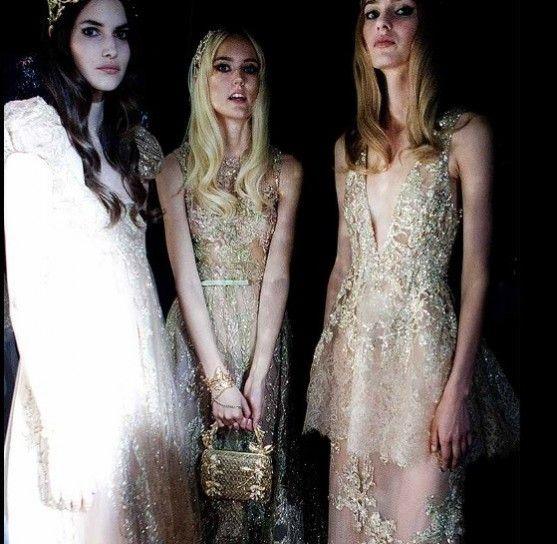 Abiti da sposa in bianco e oro - Elie Saab sposa 2016: modelli tempestati di applicazioni e ricami dorati