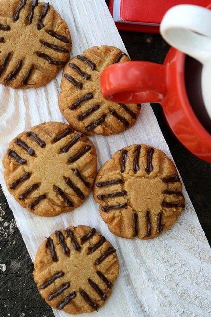 sweetbiz - Арахисовое печенье с шоколадными усиками