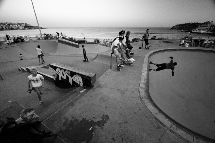 Took many photos on my first visit to the Bondi Skatepark, here is one that wants to put you there, with everyone else at the skatepark on that sunday afternoon.  ... looks like I am slowly shifting my attention to something new for me ( in photography ) let's see where this streety/photojournalistic path will bring me.   :)