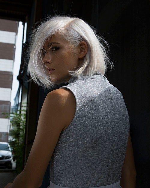 frauen mit weißen haaren