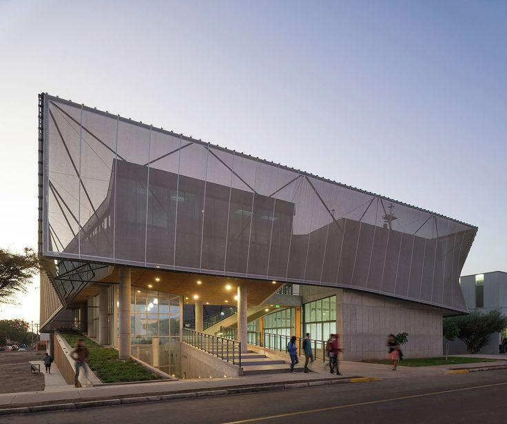 Physics Department Building / Marsino Arquitectura