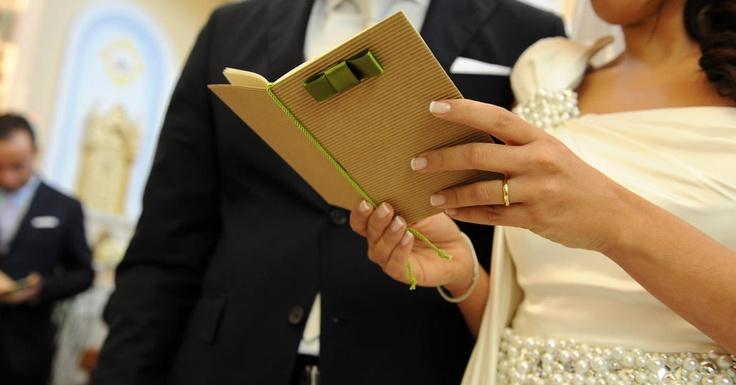 Wedding details a cura di Buccella Associati Wedding Planner.   Scopri in boutique le tendenze 2013.  http://www.amatelier.com/rubriche/amawedding/item/492-sulle-tracce-dulivo