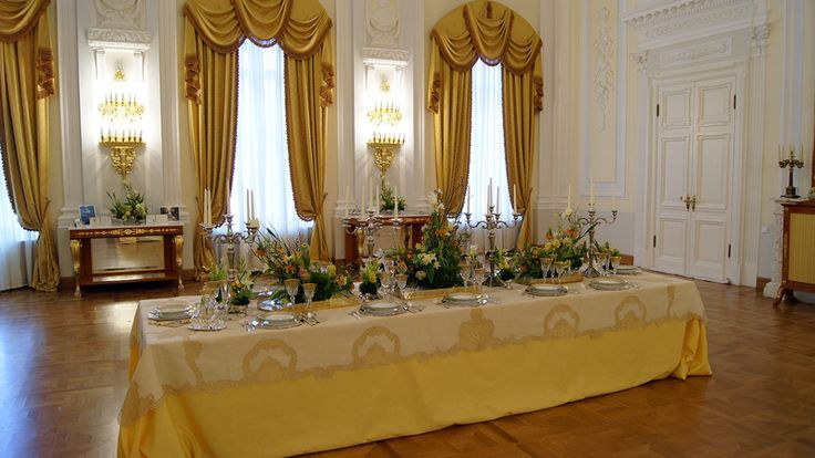 Signature table setting by FABIO ZARDI COUTURE  @petroffpalacehotel, Moscow for the White Sposa Ball, Feb. 18th, 2017   #maison_d_eventi_wp #polugar #calegaro1921 #event #weddingdecoration #reception #tabledecor  #‎destinationweddings #‎weddingplanning #‎eventdesign #petroffpalacehotel #moscow #signatureevent #flowerdesign #floral #wedding #bridetobe #brides #engaged #bride #weddinghour #engaged #eventplanner #luxurywedding #instagallery #instagood #instalove #celebration #ceremony