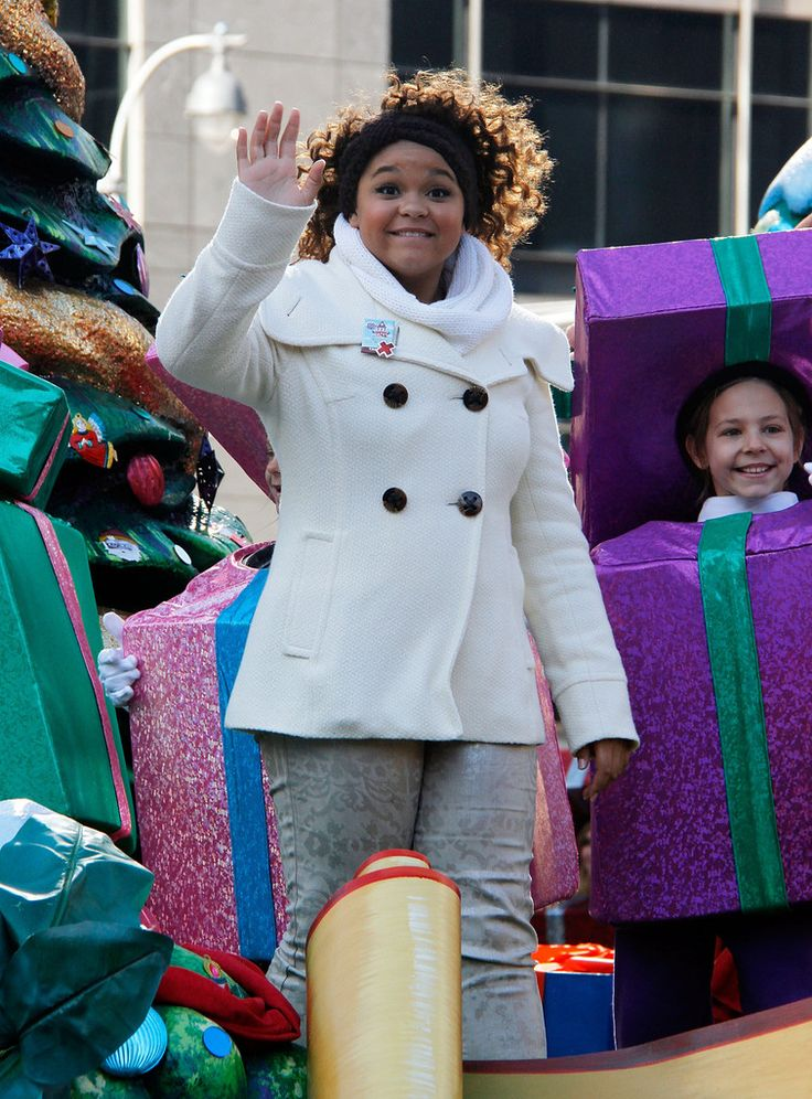 Rachel Crow Photos Photos - Rachel Crow attends the 86th Annual Macy's Thanksgiving Day Parade on November 22, 2012 in New York City. - 86th Annual Macy's Thanksgiving Day Parade