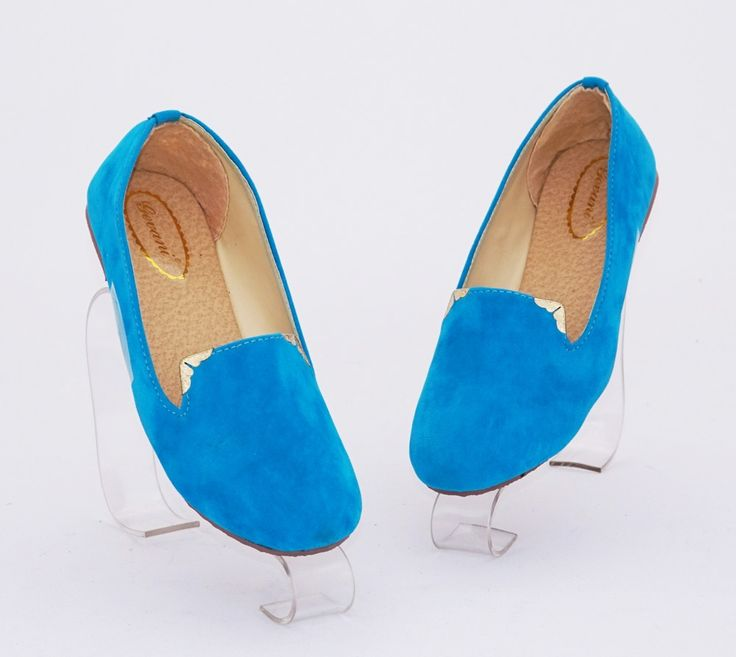 Sepatu flat polos casual. Warna biru. Bahan beludru (SKU: DDRLAF) - Rp. 55.000 - Gaun Tas: Tas Wanita Impor