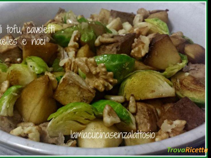 Insalata di tofu, cavoletti di Bruxelles e noci  #ricette #food #recipes