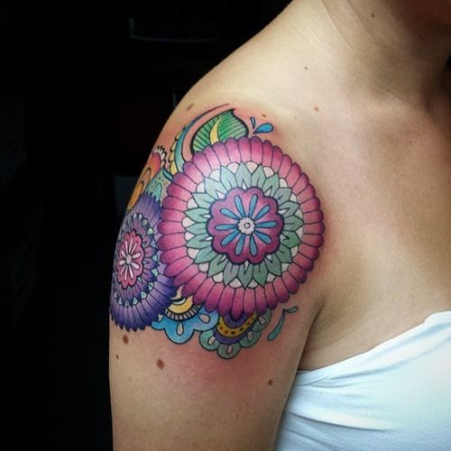 20  Shoulder Mandala Tattoos for Women and Girls (4)