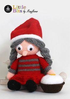 Julemor Juliane - Gratis hækleopskrift på denne søde lille julebamse. Den hæklede Julemor bamse er lavet i den fine Mayflower Hit-Ta-Too. Mayflower Hit-Ta-Too er en 100 % acryl kvalitet. [Omigami, Gratis opskrift, Hækleopskrift, Hækling, Crochet, Crocheting]