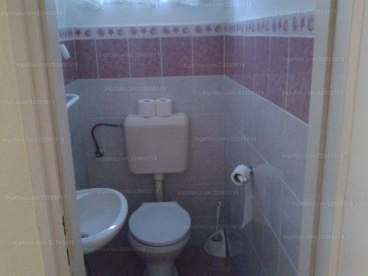 Családi ház (3 szob.) + különbejáratú iroda váróval, WC-vel. Eredetileg 5 szoba volt, ebből 2 egymásból nyíló, ezért írok 4-et. telek: 415 m2,...