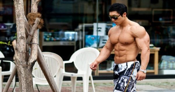 Skinny beginners will gain muscle mass fast naturally every 2 weeks without steroids using free workout & mass gaining diet plan