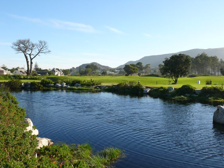 Hermanus Golf Club lies on a beautiful stretch of coast, often referred to as the Whale Coast, 100 kilometres southeast of Cape Town
