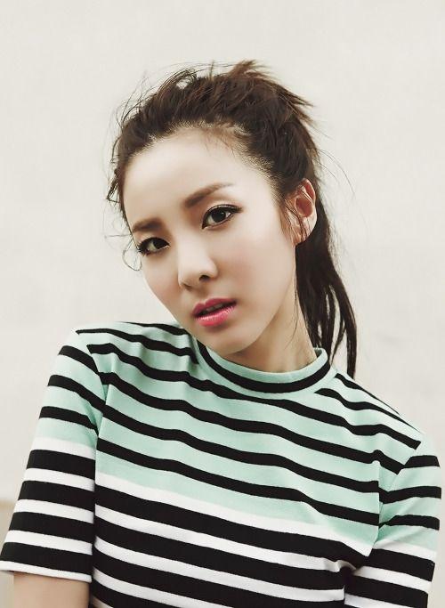 [MAGAZINE] 2NE1 Dara – Singles Magazine March Issue '15 1464x2000